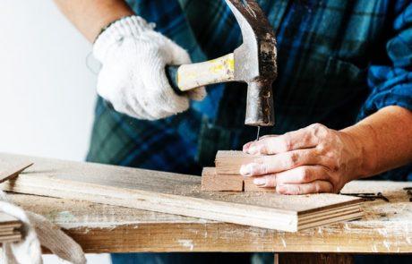 שיפוץ הבית: האם לעשות לבד או להזמין איש מקצוע